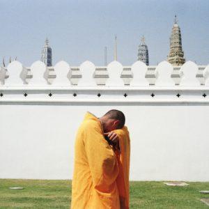 The tourism that invades Wat Phra Kaew told by Artyt Lerdrakmongkol