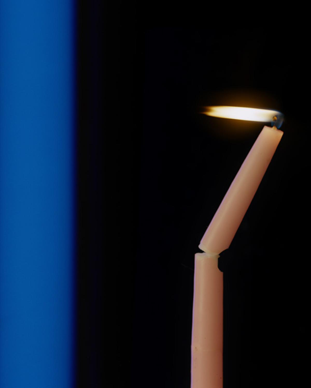 64 12015 02 09 Candle Blacklight W