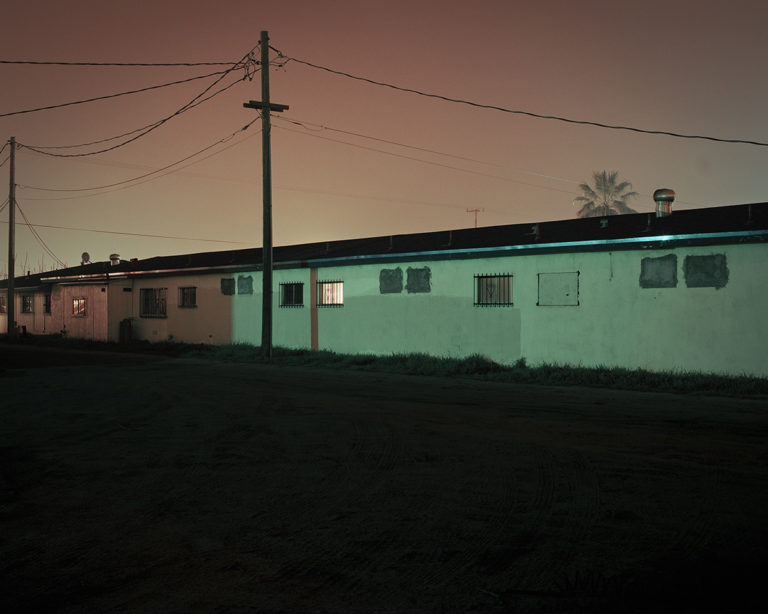 Todd Hido and the houses immersed in the mist of the night