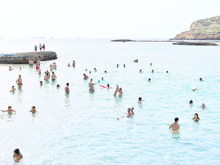Massimo Vitali looks at the wonderful beaches from afar