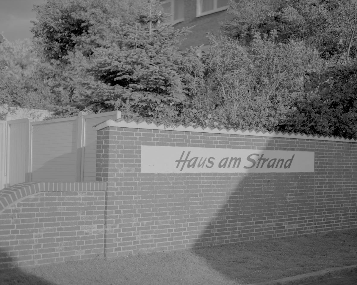 Nolwenn Le Flanchec Haus Am Strand C41magazine Photography 14