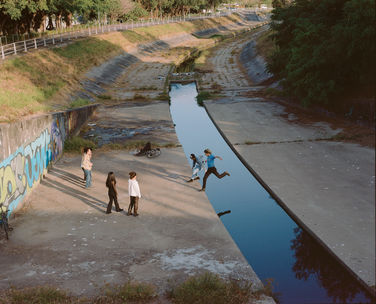Roni Ahn The City And All It Holds C41magazine Photography 5