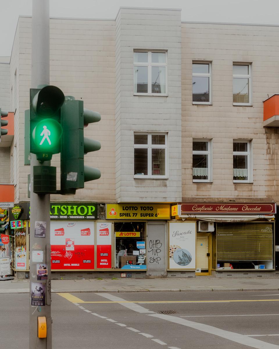 Kreuzung Kaiser Friedrich Straße (Kantstraße, Berlin).