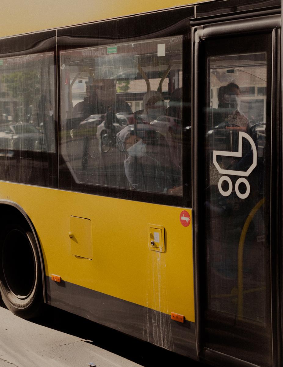 Bus (Kantstraße, Berlin).